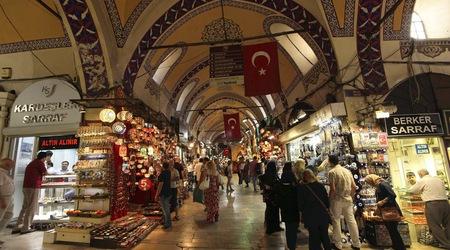 Χιλιάδες Τούρκοι αναζητούν εργασία σε αντρικούς οίκους ανοχής